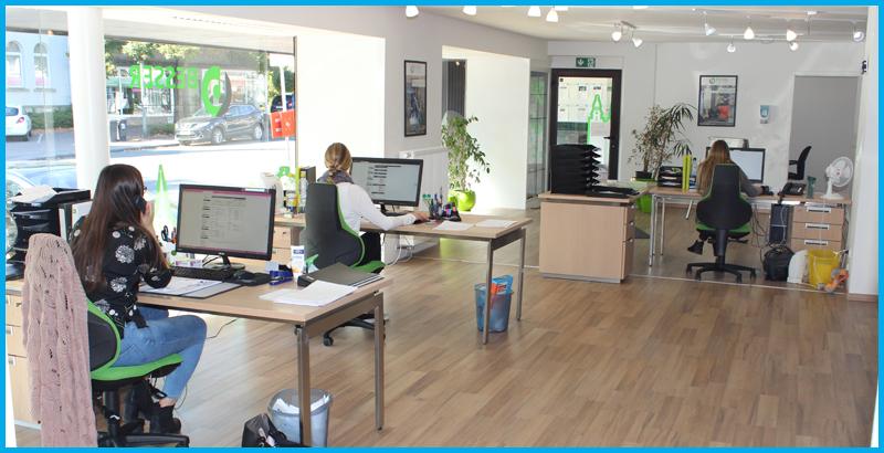 In den hellen und modern ausgestatteten Büroräumen von BESSER arbeiten die Beschäftigten gern.